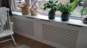 radiator ombouw plaatsen